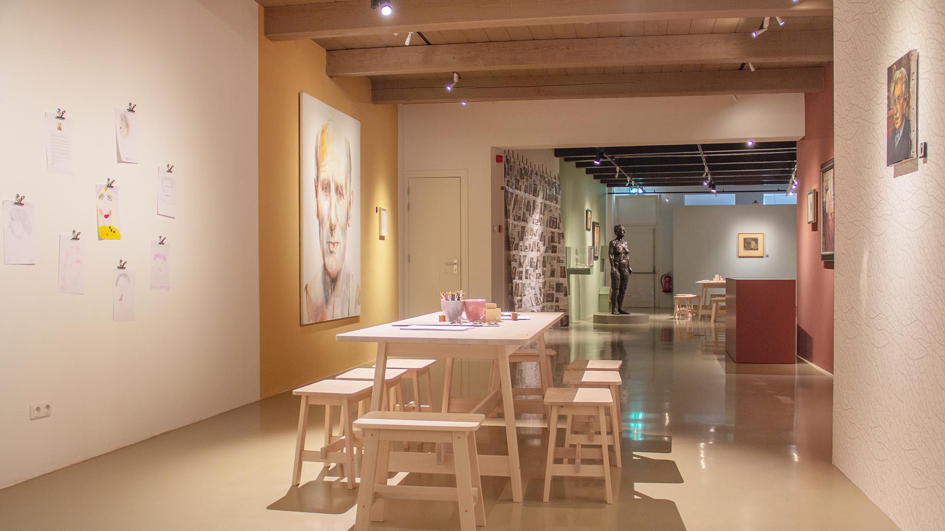 Tafel Jopie Huisman Museum