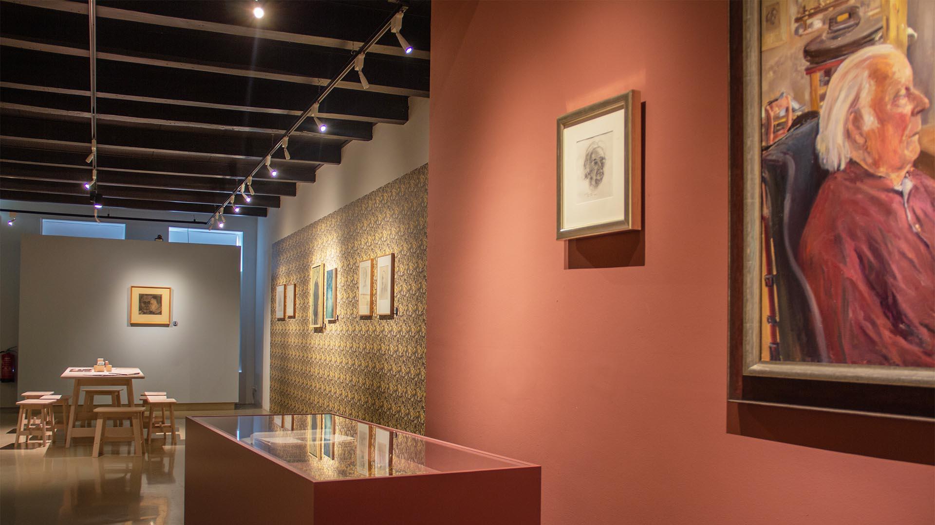 Vitrine Jopie Huisman Museum