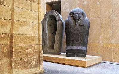 Nieuw podium voor sarcofagen